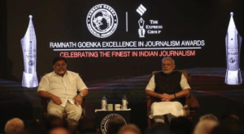 بھارتی صحافی نریندمودی کے ہاتھوں سے ایوارڈ لینے سے انکاری