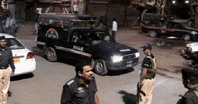 کراچی میں پولیس کی کارروائی، 4 افراد گرفتار ،مقابلے میں ایک ملزم ہلاک