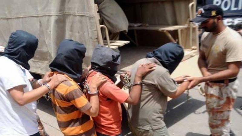 کراچی: رینجرز کی کارروائیاں، سیاسی جماعت کے دفتر پر چھاپہ ، 6 افراد گرفتار