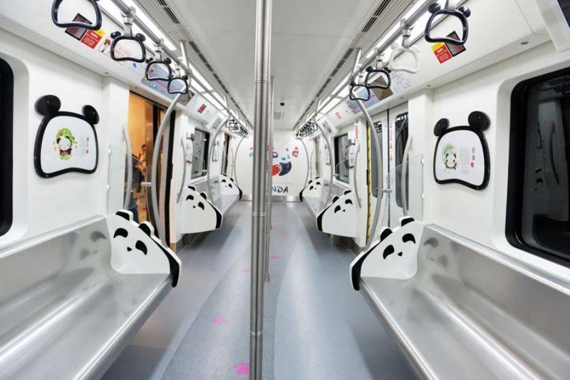 ایسی ٹرین جس کی نشستوں کو ضرورت کے وقت بستر میں تبدیل کیا جا سکتا ہے