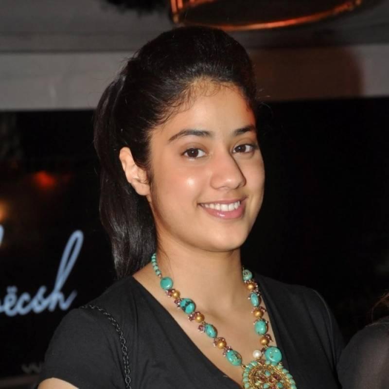 سری دیوی کی بیٹی بھی بالی ووڈ میں دبنگ انٹری دینے کو تیا