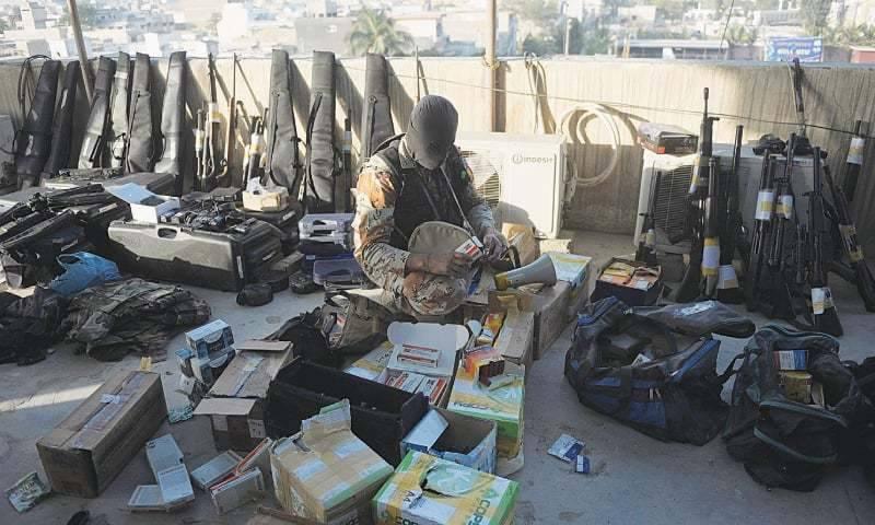 کراچی میں تباہی کا منصوبہ ناکام ، گھر سے اسلحے کا بڑا ذخیرہ برآمد