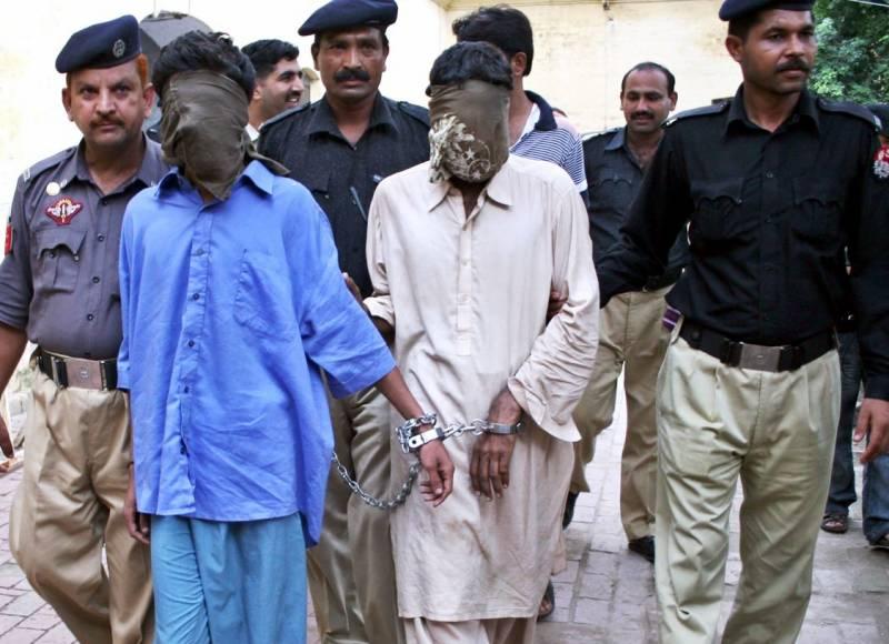 کراچی:مختلف علاقوں میں پولیس کی کارروائی،9اشتہاری ملزم گرفتار