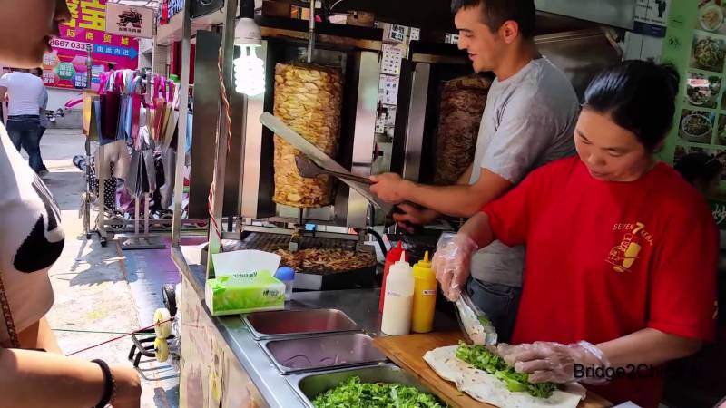 چین نے حلال کھانے کے خلاف اعلان جنگ کردیا