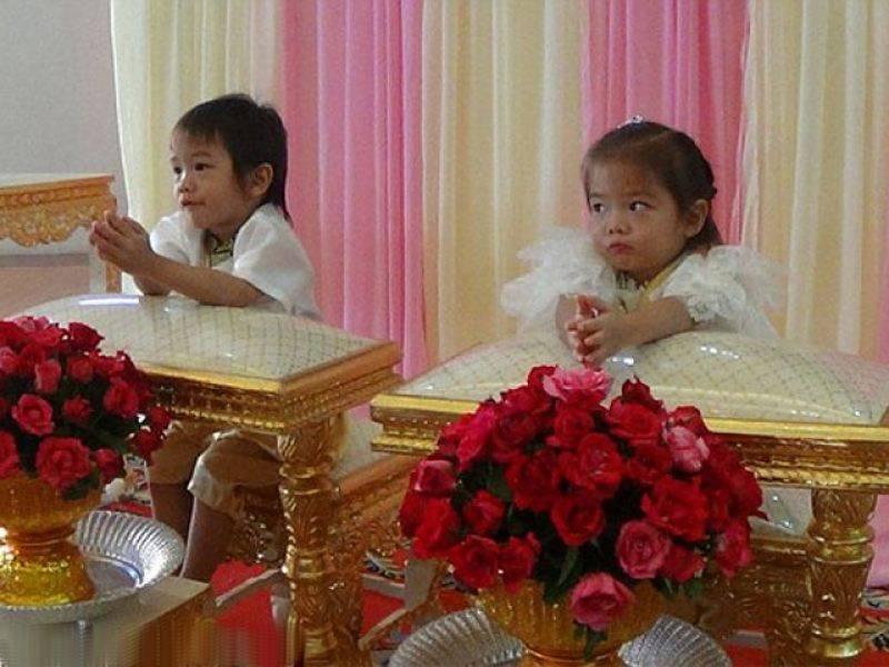 سگے بہن بھائی کی شادی ، عمر جان کر آپ سر پکڑ لیں گے