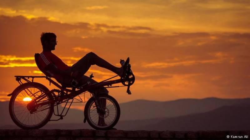 جرمنی سے لیہ تک دس ہزار کلومیٹر کی مسافت سائیکل پر ،تصاویر دیکھ کر حیران رہ جائیں گے