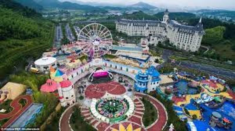 شنگھائی میں 'ڈزنی لینڈ' کا شاندار افتتاح