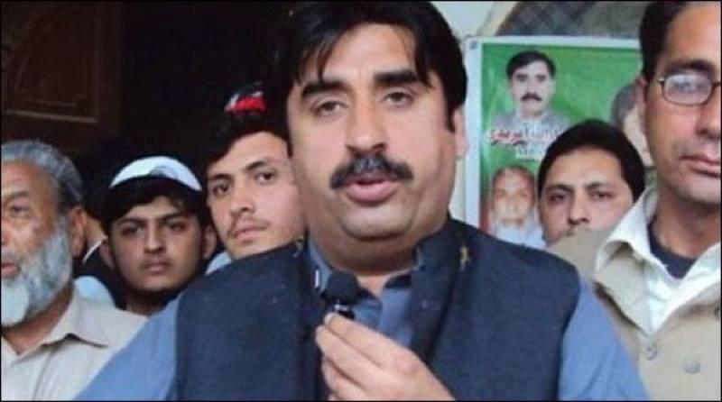 سابق پی ٹی آئی وزیر ضیاءآفریدی کے پرویز خٹک پر الزامات