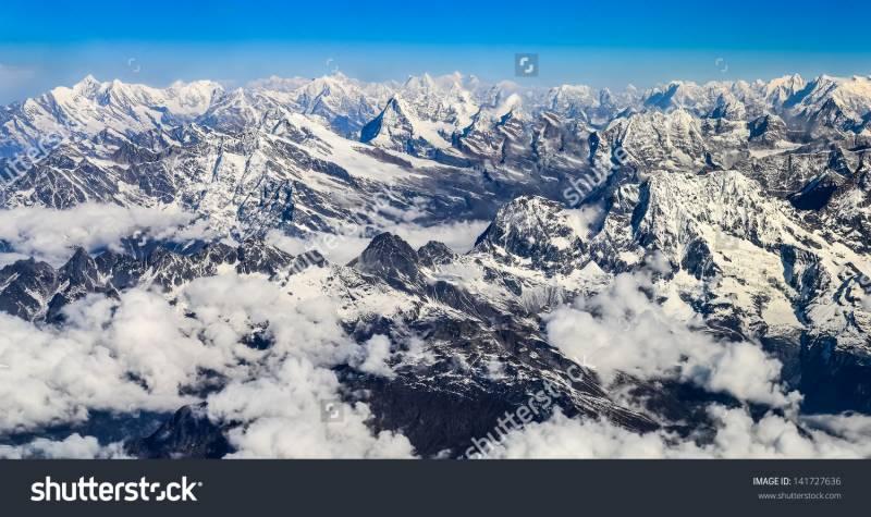 گلوبل وارمنگ: ہمالیہ میں برف سالانہ25سینٹی میٹرکم ہور ہی ہے: ماہرین
