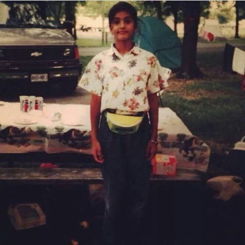 سنی لیون کی بچپن کی تصاویر نے سوشل میڈیا پر تہلکہ مچا دیا
