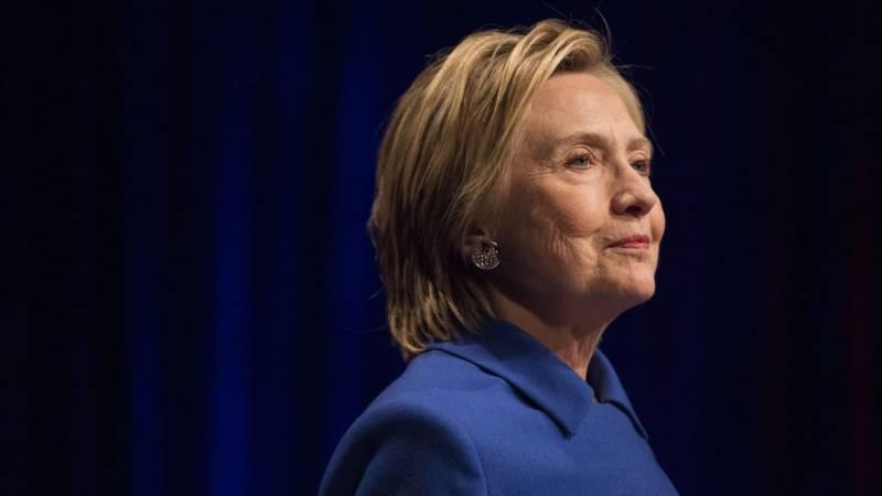 ہیلری کلنٹن پسندیدہ خواتین کی فہرست میں بازی لے گئیں