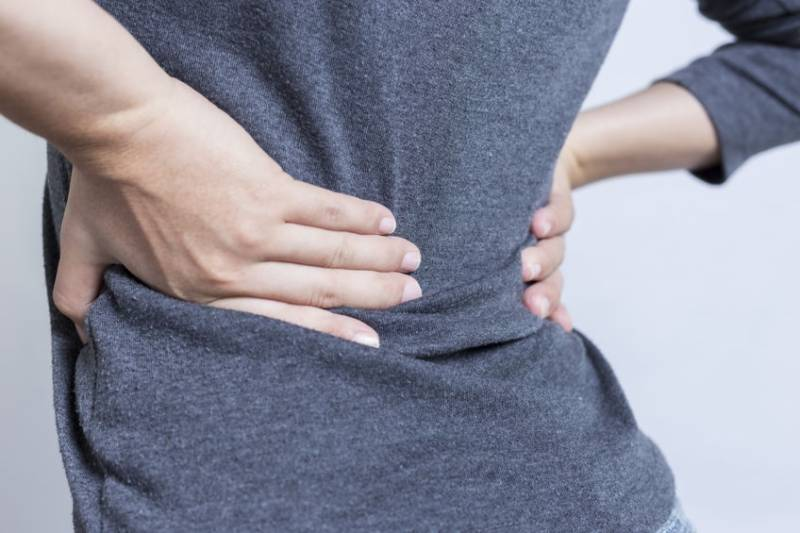 کمر میں شدید درد اسکی وجوہات اور احتیاط جانیئے اہم معلومات