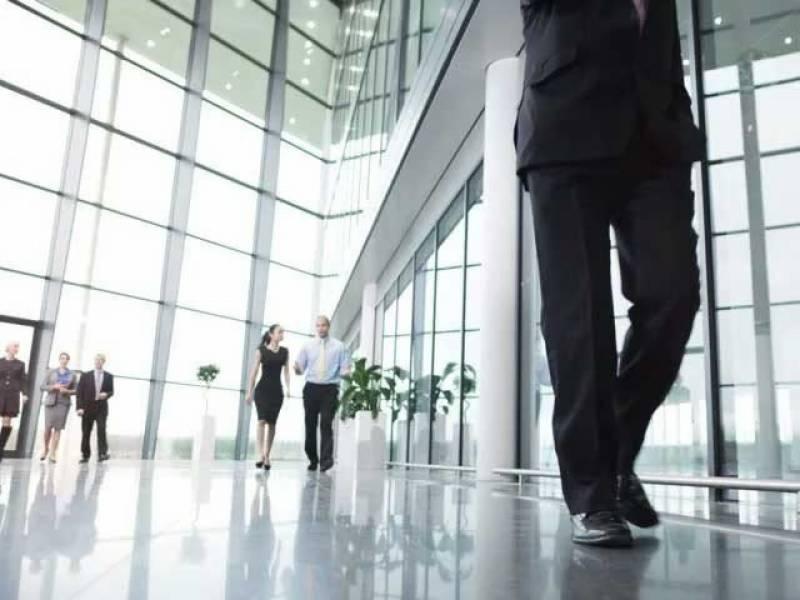 ماہرین صحت نے دفتری اوقات میں وقتاً فوقتاً چہل قدمی کو ضروری قرار دیدیا