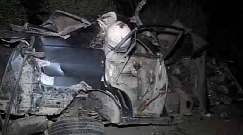 شیخوپورہ میں کار ویگن تصادم میں سلینڈر پھٹ گیا، 7 جاں بحق