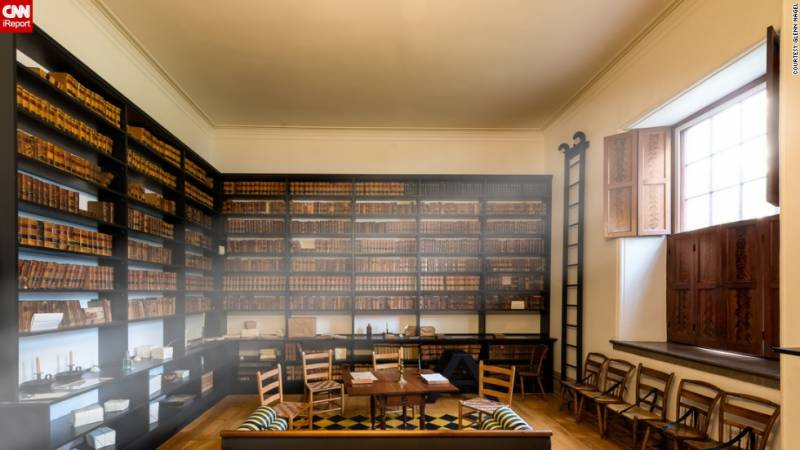 لائبریری انچارج نے لائبریری سے ملنے والے 13 لاکھ روپے اصل مالک کو لوٹا دیئے