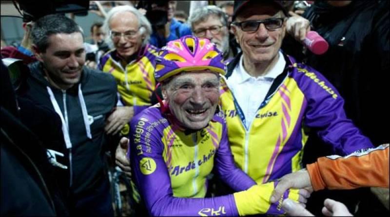 105سالہ فرانسیسی شہری کا سائیکل چلانے کا ریکارڈ