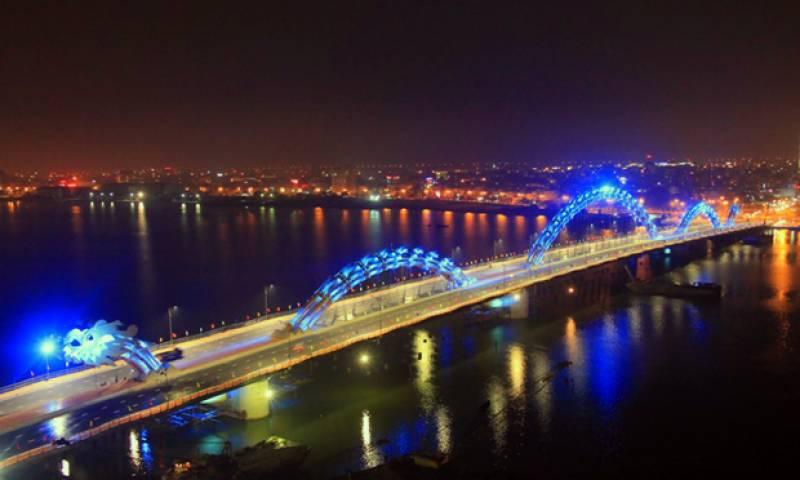 دریائے ہین پر دیوہیکل ڈریگن کی شکل میں تعمیر کیا گیا ایک اور شاہکار