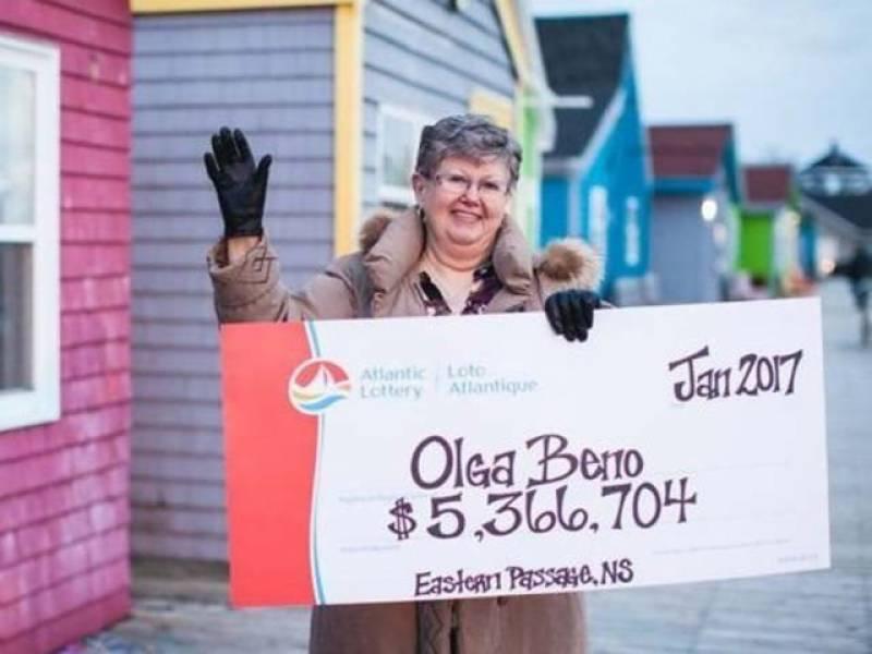 کینیڈا میں خاتون نے خواب میں لاٹری کا نمبر دیکھ کر 53 لاکھ ڈالر جیت لئے