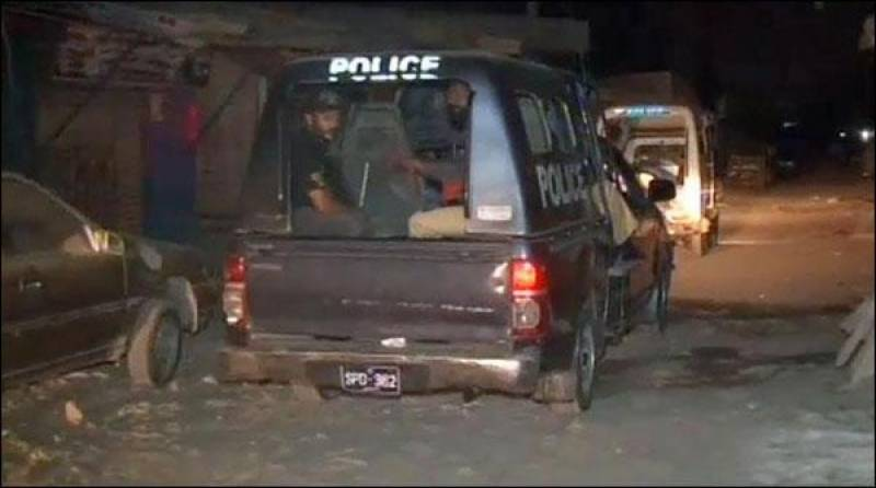 کراچی میں آتش بازی پر8باراتی زیرحراست