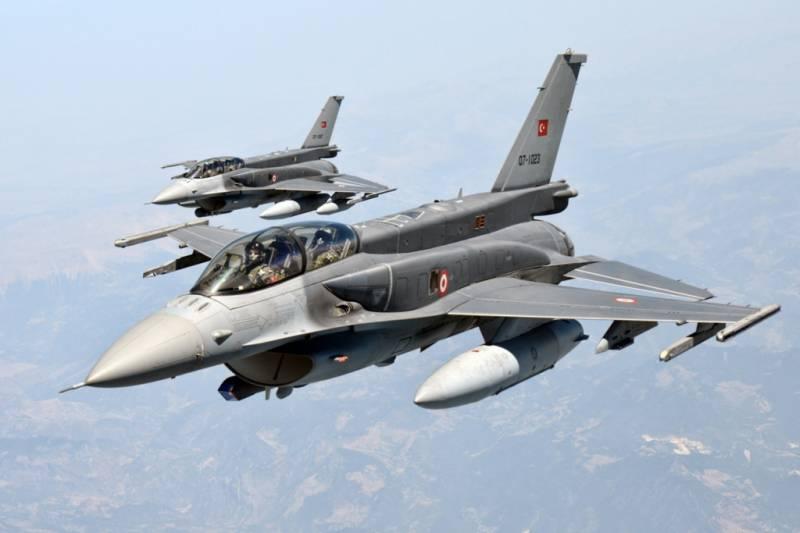 ترک فوج کے داعش کے ٹھکانوں پر حملوں میں 32جنگجو ہلاک ہوگئے