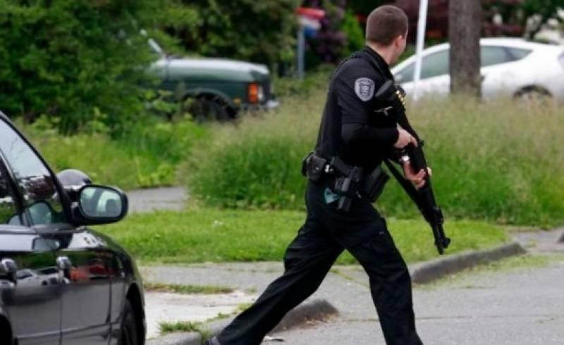 امریکہ میں فائرنگ کے درجنوں واقعات میں 100سے زائد ہلاکتیں
