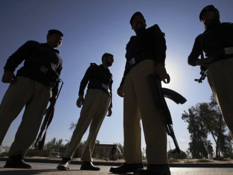 اب مجرموں کو مارنا اور بھی آسان، فیصل آباد پولیس نے پولیس مقابلوں کا جدید طریقہ متعارف کروا دیا ۔۔۔!!!!