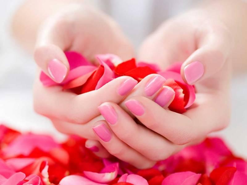 اپنے ہاتھوں کو خوبصورت بنانے کے لیے یہ کام ضرور کریں