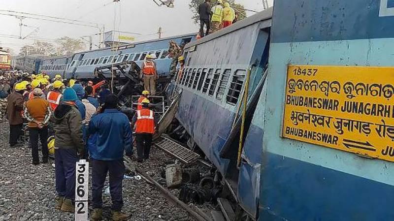 بھارت میں ریل حادثہ میں ہلاک ہونے والے افراد کی تعداد36 ہو گئی