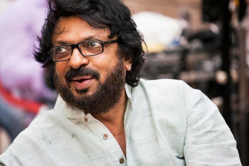 معروف بھارتی ہدایتکار سنجے لیلا بھنسالی پر انتہا پسند ہندؤں کا حملہ