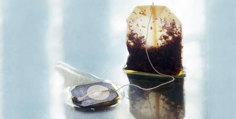 کالی چائے کے پیکٹ کینسر جیسے مرض کا خطرہ بن سکتےہیں