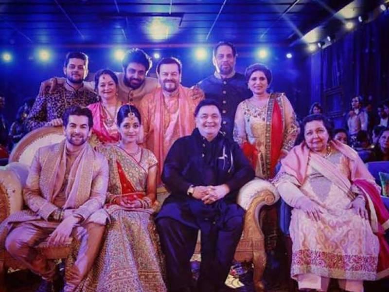 بالی ووڈ اسٹار نیل نتین مکیش اپنی قریبی دوست رکمینی سہائے کے ساتھ رشتہ ازدواج میں منسلک ہوگئے