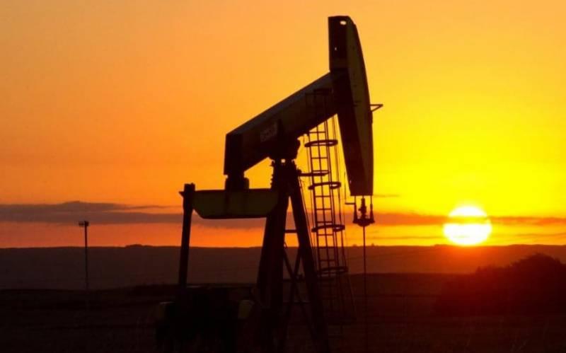 بین الاقومی مارکیٹ میں تیل کی قیمتوں میں کمی ،مگر پاکستان میں اضافہ