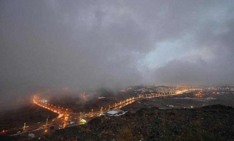 سعودی عرب میں موسم سرد اور بارشیں جاری رہنے کا امکان