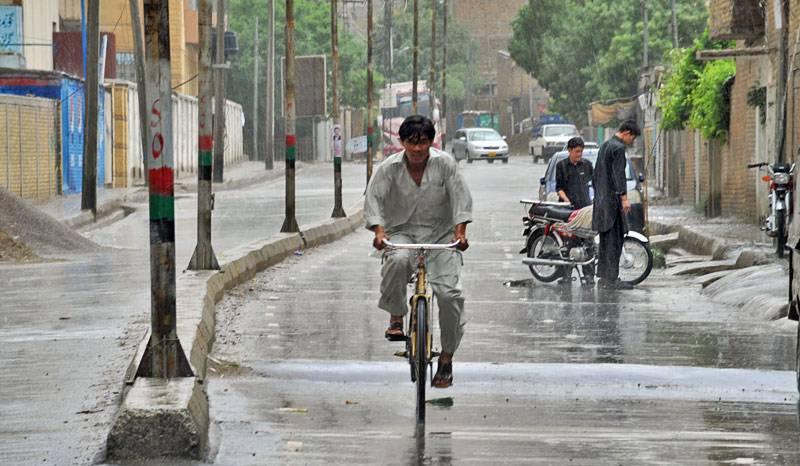 بیشتر علاقوں میں بادلوں کا راج، کوئٹہ سمیت بلوچستان کے مختلف شہروں میں بارش