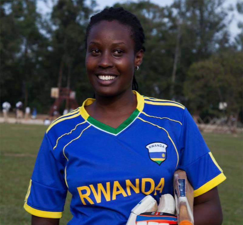 روانڈا: خاتون کرکٹر نے 26 گھنٹے بیٹنگ کر کے ورلڈ ریکارڈ بنا لیا