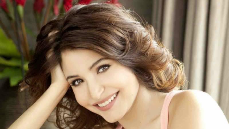انوشکا شرما نے اپنے شائقین کے لیے واٹس ایپ نمبر جاری کر دیا