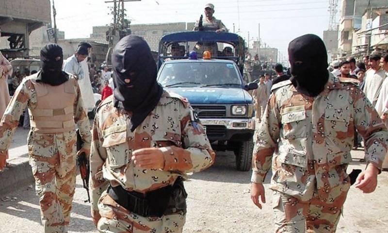 رینجرز کے کراچی میں چھاپے، دس ملزمان گرفتار ،اسلحہ برآمد