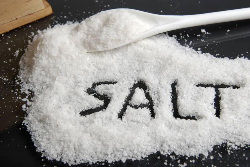 کھانے میں نمک کی کم مقدار کئی امراض سے محفوظ زندگی کی ضمانت ،امریکی ماہرین