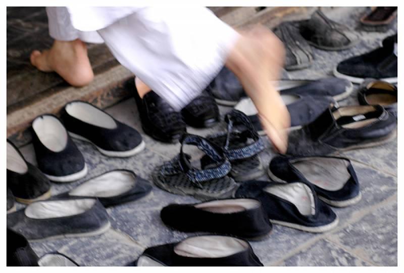 جوتے چور تھانے کی مسجد میں بھی سرگرم ہو گئے