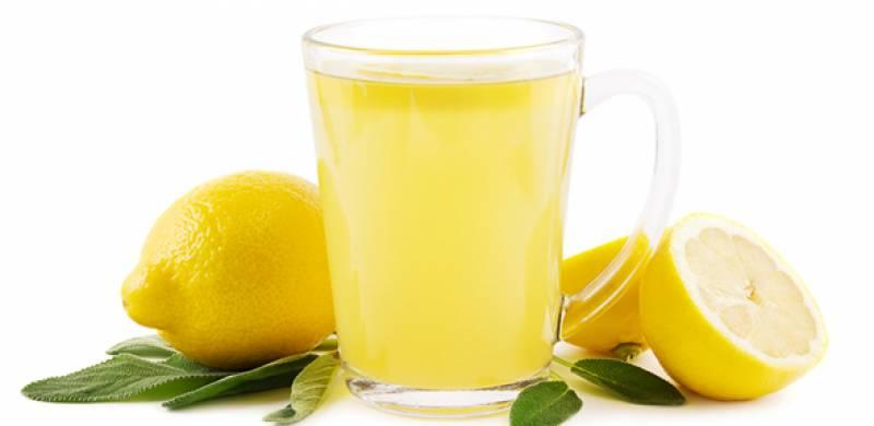 نیم گرم پانی میں لیموں نچوڑنے کے صحت پر حیرت انگیز اثرات