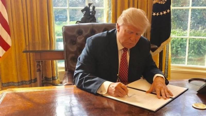 ڈونلڈ ٹرمپ نے سفری پابندی کے نئے حکم نامے پر دستخط کر دئیے