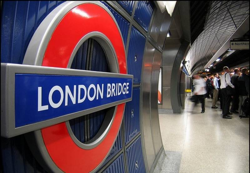 مشکوک گاڑی دیکھے جانے کے بعد لندن برِج اسٹیشن کو خالی کرا لیا گیا