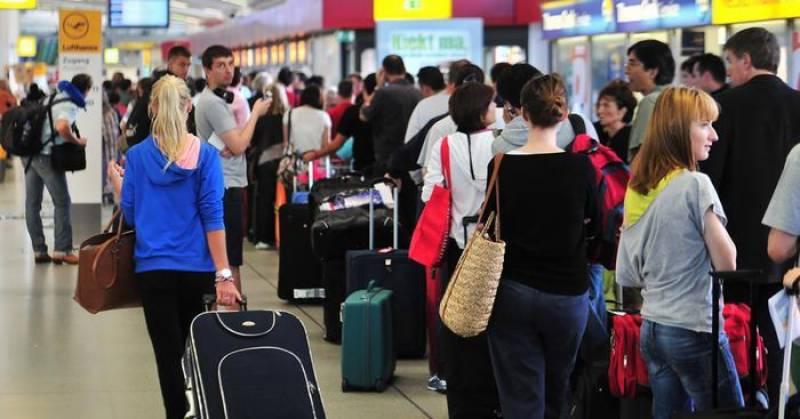 برلن کے دو ہوائی اڈوں پر ہڑتال، 455 پروازیں منسوخ