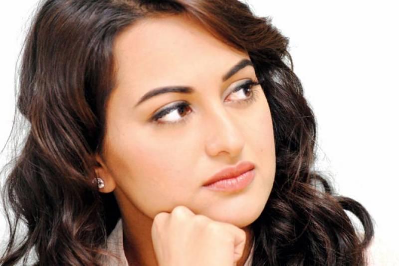 اداکارہ سوناکشی سنہا صحافی بن گئیں