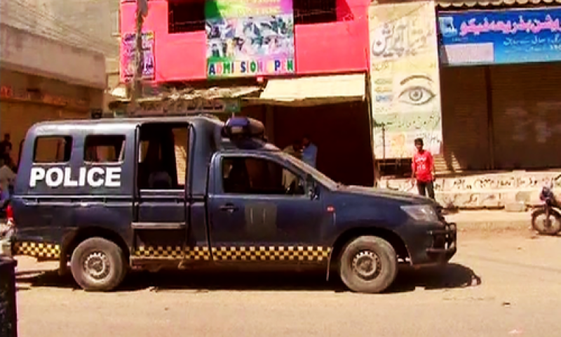 کراچی میں پولیس گردی تعلیمی اداروں تک پہنچ گئی