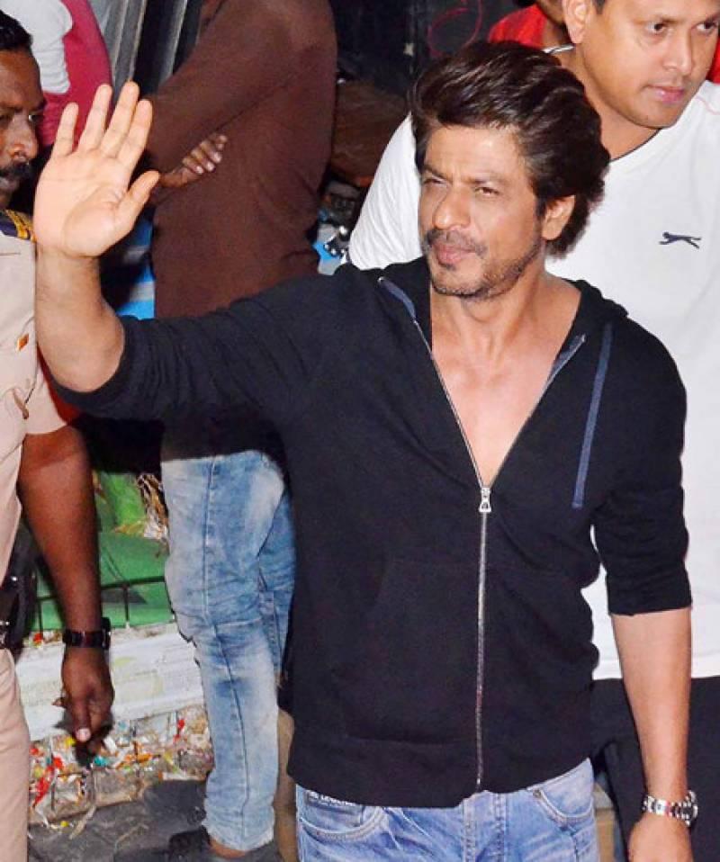 سپر سٹار شاہ رخ خان نے اپنے لئے خواتین محافظین کی خدمات حاصل کر لیں