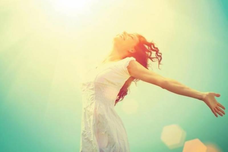 اگر آپ خوش رہنا چاہتے ہیں تو ان عادات کو اپنی زندگی میں شامل کریں