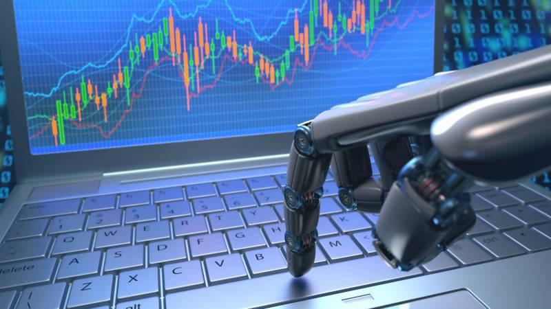 برطانیہ: 30 فیصد ملازمتوں کو مصنوعی ذہانت سے خطرات لاحق