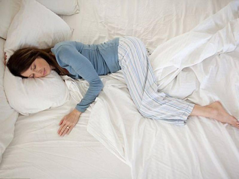 مخصوص پوزیشن میں سونے سے جلد بوڑھے ہونے کا خدشہ ہوتاہے ،ماہرین
