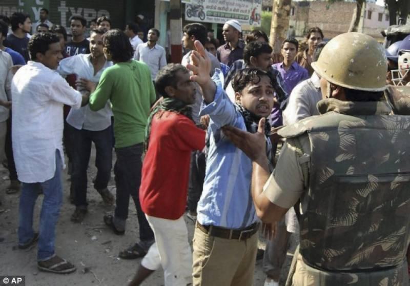 بھارتی ریاست گجرات میں ہزاروں ہندووں کا مسلمان آبادی پر دھاوا،ایک جاں بحق